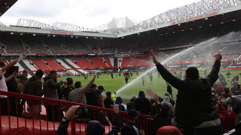 Manchester United suffer training kit deal blow